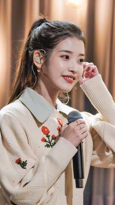 Korean Fashion Trends, Iu Fashion, Pretty Korean Girls, Beautiful Asian Girls, Girl Photo Poses, Girl Photos, Bff, Asian Style, Korean Beauty