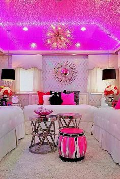 Teen Girl Bedrooms dazzling examples, room styling reference 9059670342 - Dreamy yet ingenious information to work on a comfortable and cool teen girl room. The coool bedroom ideas for teen girls dream rooms tip posted on this super date 20181221 Teenage Girl Bedrooms, Teen Bedroom, Dream Bedroom, Master Bedroom, Diy Bedroom, Bedroom Furniture, Furniture Ideas, Teen Rooms, Bedroom Curtains