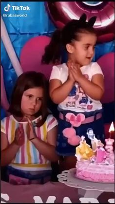 Funny Videos For Kids, Cute Baby Videos, Super Funny Videos, Funny Short Videos, Funny Video Memes, Crazy Funny Memes, Really Funny Memes, Funny Animal Videos, Stupid Funny Memes