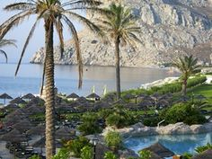 Goedkope vakantie Rhodos - Boek hier je reis naar Rhodos | TUI Hotels, River, Outdoor, Windsurfing, Rhodes, Rice, Outdoors, Outdoor Games, Outdoor Life