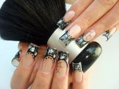 Top 8 Tools You Need For The Perfect Halloween Manicure