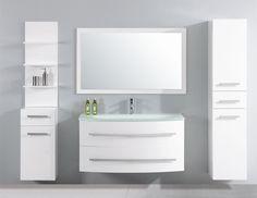 Design badkamermeubel Paso is uitgevoerd met 2 grote bijkasten. Wastafel is gemaakt van glas in is verzonken in de onderkast (111cm).