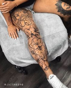 Dope Tattoos For Women, Black Girls With Tattoos, Badass Tattoos, Sleeve Tattoos For Women, Tigh Tattoo, Knee Tattoo, Leg Sleeve Tattoo, Finger Tattoos, Body Art Tattoos
