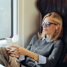 Starting today, Tory will be sharing the tracks that keep her going. First up: her summer travel playlist… Fashion Idol, Office Fashion, Mirrored Sunglasses, Sunglasses Women, Corporate Attire, Office Outfits, Casual Chic, Style Icons, My Girl