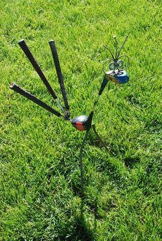 recycled golf club garden art bird,