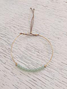 Jonc perlé très fin avec pierres Swarovski vert d'eau : Bracelet par hashtag-bijoux