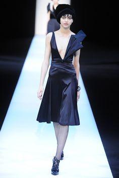 Giorgio Armani RTW Fall 2013 - Slideshow - Runway, Fashion Week, Reviews and Slideshows - WWD.com