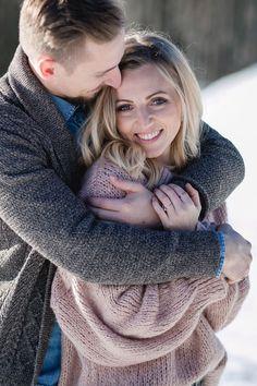 Ein Verlobungsshooting ist eine wunderschöne Erinnerung für ein sehr wichtiges bevorstehendes Ereignis. Hier findest du schöne Ideen für dein Engagementshooting und Inspiration für unvergessliche Verlobungsbilder. Die Fotos könnt ihr dann gleich für eure Papeterie und Hochzeitsdeko verwenden. #verlobungsshooting #verlobungsbilder #engagementshooting #fotografsalzburg #stefaniereindlphotography