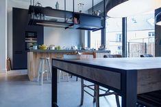 mooie vloeren in stadsvilla te Breda Window In Shower, House Goals, Modern Rugs, Fixer Upper, Minimalist Design, Home Kitchens, Kitchen Dining, Tours, House Design