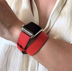 Enter a colorful state of mind this Spring 2019 with this vibrant red Apple Watch leather strap.  Made of genuine leather, it will add that stylish touch to your outfit. It is durable and simply stunning! Customize this band to match your watch case by choosing silver, gold, rose gold, space gray or space black hardware. #applewatchband #applewatchbands #applewatchbandleather #applewatchstrap #iwatchstrap #smartwatchbands  #wearabletech #applewatch #applewatchtips Apple Watch Series 1, Apple Watch Bands, Apple Watch Fitness, Apple Watch Leather Strap, Rose Gold Apple Watch, Watch Case, Red Apple, Vibrant, Hardware