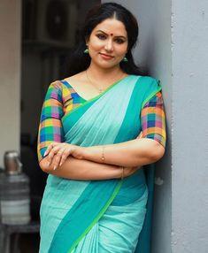 Beautiful Saree, Beautiful Gorgeous, Gorgeous Women, Beauty Full Girl, Beauty Women, Saree Photoshoot, Beautiful Girl Photo, Indian Beauty Saree, Indian Sarees