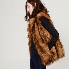 Last day to buy LOFT Faux Fur Vest LOFT Faux Fur Vest is so perfect, I adore this piece! You will too it's gorgeous Carmel colors! SOLD OUT✨(absolutely no returns) LOFT Jackets & Coats Vests