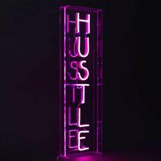 Pink Neon Sign, Neon Purple, Purple Walls, Purple Wallpaper Iphone, Neon Wallpaper, Iphone Wallpaper Tumblr Aesthetic, Dark Purple Aesthetic, Neon Aesthetic, Neon Led
