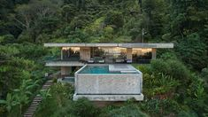 Czech studio Refuel Works took cues from buildings by Brazilian architect Paulo Mendes da Rocha to design this concrete villa nestled into the jungle in Costa Rica. Villas, Costa Rica Art, Ipe Wood, Charred Wood, Resort Villa, Tropical Landscaping, Polished Concrete, Flat Roof, Decoration