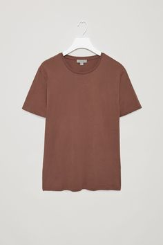 COS image 30 of Round-neck t-shirt in Brown Light Modern Wardrobe, Mens Essentials, Cute Shirts, Polo Shirt, Tee Shirt, Cos, Neck T Shirt, Man Shop, Style Inspiration