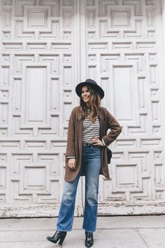 MotherDenim-Cropped_Jeans-Striped_Top-Grey_Hat-Camel_Coat-Black_Booties-Vintage_Belt-Outfit-Street_Style-42