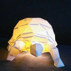 Turtle lamp for anyone anyage! #paperinga  #polyfish #3d #homedekor #homedesign #papercraft #interiordesign #lakberendezés #papirszobor #handmade #paperanimal #paperart #lampa #lamp #hangulat #hangulatvilágítás #kreativdesign #diy #poligonal #polygon #lowpoly #turtles #turtle #teknos #rendelhetőbármi https://www.instagram.com/paperingaforyou/ https://www.facebook.com/paperinga/