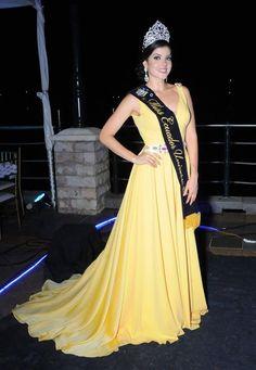 Así lució Daniela Cepeda Miss Ecuador 2017 en la Cena de Gala de Elección.
