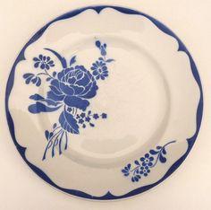 Plat rond en faïence de Lunéville, modèle LILLE, rose bleue, très bon état.