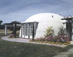 The Goodyear Tire and Rubber Company Balloon House in Litchfield Park, Arizona designed by architect Wallace Neff and photographed in March Beautiful Architecture, Art And Architecture, Bubble House, Earth Bag Homes, Balloon Company, Litchfield Park, Dome House, Spanish Colonial, Prefab Homes