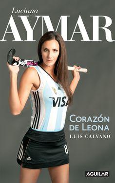 Luciana Aymar juega para Argentina en un equipo profesional de hockey de pista. Esta es una foto de su sesion de fotos.
