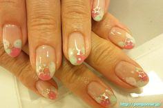 Light of three colors of nail color gel 三色の淡いカラーのジェルネイル 三色の淡いカラーのジェルネイル