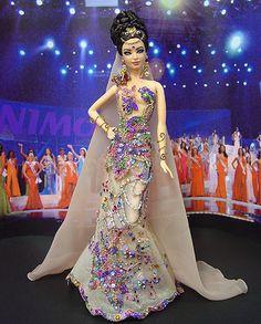 OOAK barbie pageant dolls by NiniMomo Creations Barbie Gowns, Barbie Clothes, Barbie Miss, Miss India, Glamour, Little Doll, Barbie Friends, Barbie World, Beautiful Dolls