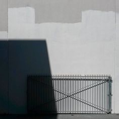 #minimalperth #gate #workinprogress #shadow #churchlandsperth #perthisok #igminimal #rsa_minimal by nick.mahony