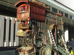 The Imaginarium of Dr. Parnassus- best gypsy wagon ever. I want to live here.