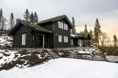 Rognli hytte Home Fashion, House Styles, Teen Wolf, Cabins, Cottages, Home Decor, Modern, Decoration Home, Country Homes