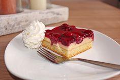 Kirsch - Schmand - Blechkuchen, ein schmackhaftes Rezept aus der Kategorie Frucht. Bewertungen: 865. Durchschnitt: Ø 4,6.