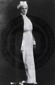What did nurses look like? Photo c.1918-1919