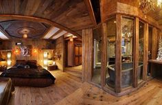 Chalet Lhotse-rustic chic chalet bedroom with attached bath and stone tub - Home Decor Like Chic Chalet, Log Cabin Bathrooms, Plan Chalet, Stone Tub, Future House, My House, Cottage House, Log Cabin Homes, Log Cabins