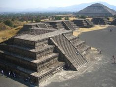 Teotihuacan. Aztec pyramids