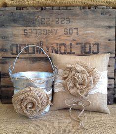 Flower Girl Basket Ring Bearer Pillow Set por TheShabbyChicWedding