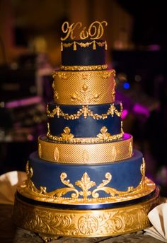 A Classic, Sophisticated Wedding At Hotel du Pont in Wilmington, Delaware Sophisticated Wedding, Elegant Wedding Cakes, Elegant Cakes, 15th Birthday Cakes, Quince Cakes, Desi Wedding, Wedding Stuff, Crazy Cakes, Take The Cake