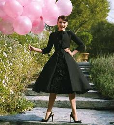 oh, how i wish is could wear this audrey-hepburn style