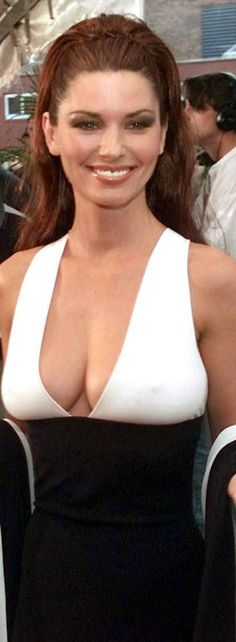 Shania twain bare breasts — 3