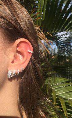 Pretty Ear Piercings, Body Piercings, Piercing Tattoo, Marquesan Tattoos, Irezumi Tattoos, Ear Jewelry, Jewelery, Jewelry Accessories, Lobe