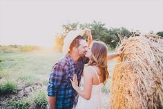 Fall Engagement Photo Shoot and Poses Ideas 46