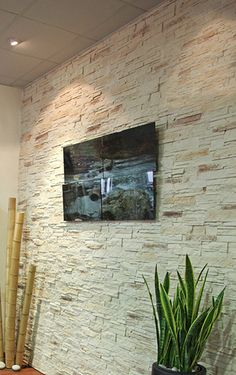 Realstone panel de piedra natural para decorar paredes el fabricante tango tile posee un - Panel piedra exterior ...