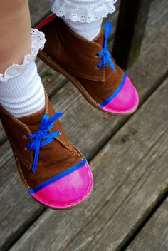 DIY: Neon Shoes