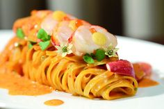 Celebration menus are an integral part of your special day. The creative presentation of Pasta with Lobster Medallions at The Ritz-Carlton, Buckhead entices guests immediately. Food Plating Techniques, Gourmet Recipes, Cooking Recipes, Food Decoration, Restaurant Recipes, Creative Food, Food Design, Food Presentation, Food Inspiration