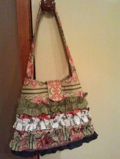 Frill trim Shoulder Bag