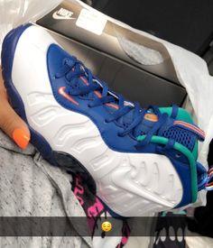 Foams Shoes Nike, Nike Shoes, Best Sneakers, Shoes Sneakers, Shoes Sandals, Sock Shoes, Shoe Boots, Sneaker Heels, School Shoes