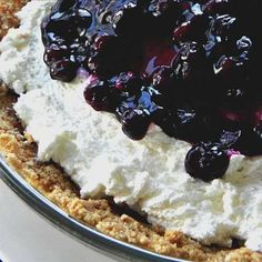 Easy No Bake Blueberry Cheesecake. This easy, no bake cheesecake can be on your table in no time. Creamy, full of fruit, perfect. Easy Blueberry Cheesecake Recipe, Cheesecake Desserts, Pie Dessert, Cookie Desserts, Icebox Desserts, Dessert Ideas, Sweets Recipes, Cupcake Recipes, Baking Recipes