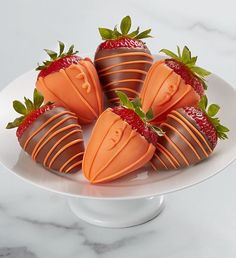 Looking for a Thanksgiving gift idea? Shari's Berries has Thanksgiving food gifts and gift baskets to help celebrate Turkey Day. Thanksgiving Gifts, Thanksgiving Recipes, Cookies Policy, Chocolate Covered Strawberries, Chocolate Box, Food Gifts, Gift Baskets, Strawberry, Turkey