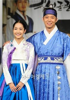 "PHOTOS] ""SungKyunKwan Scandal"" press confrence @ HanCinema :: The ... Sungkyunkwan Scandal, Park Yoo Chun, Yoo Ah In, Park Min Young, Song Joong Ki, Thai Drama, Paros, Jyj, People Photography"