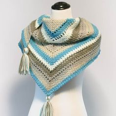 Colorful and cozy ... this striped shawl is a must have! FREE crochet pattern too. #crochet #fiber