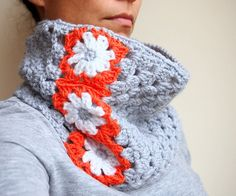 Crochet PATTERN woman cowl neckwarmer granny square flowers women scarf , DIY photo tutorial, Instant download
